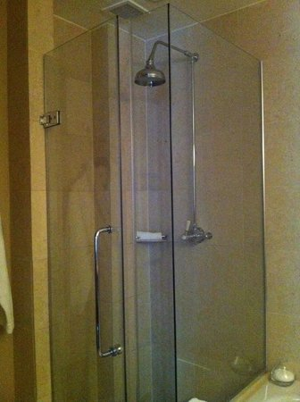 Threadneedles, Autograph Collection: Shower Place