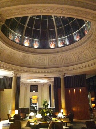 Threadneedles, Autograph Collection: Dome in Lobby