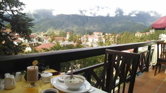 Victoria Sapa Resort and Spa : Breakfast with a view