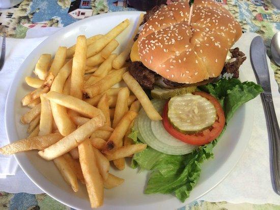 Blondie's Diner: Buffalo burger
