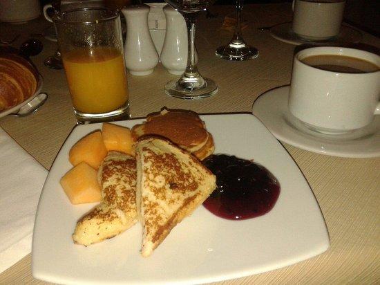 Sonesta Hotel Cusco: Desayuno delicioso..