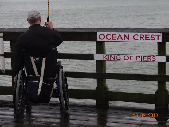 Ocean Crest Motel: pier
