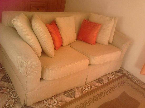 La Heliconia: Sitting area