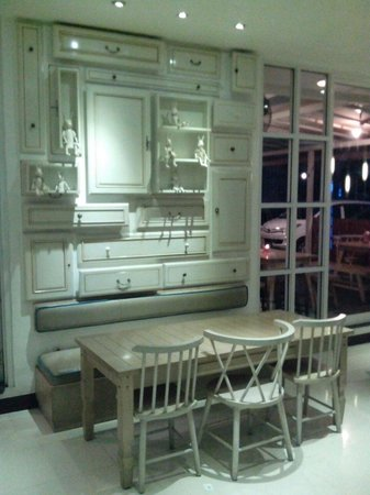 Vio Hotel Cimanuk Bandung: Dinning room