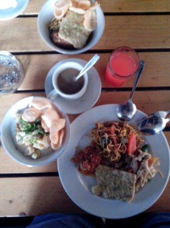 Vio Hotel Cimanuk Bandung: My breakfast