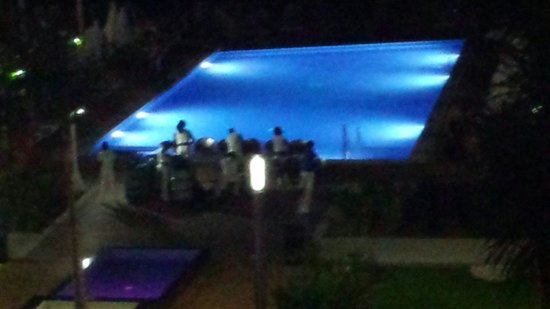 Hotel Riu Palace Jamaica: Live band!!! They were great