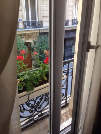 Hotel de la cite Rougemont: From the room window