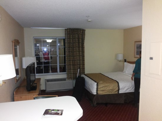 Extended Stay America - Orlando - Southpark - Equity Row : Cama queen