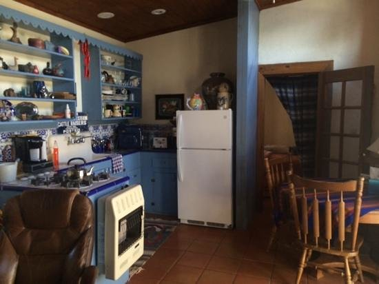 The Arcon Inn: casita kitchen