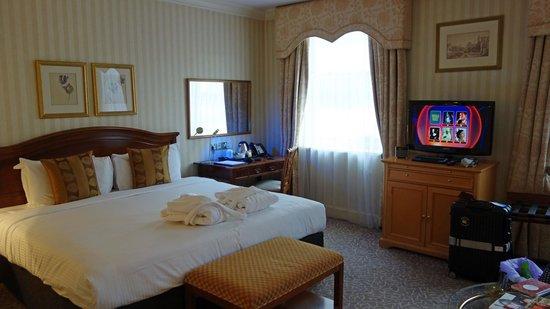Millennium Hotel London Mayfair : クラブルームなのでやや広め