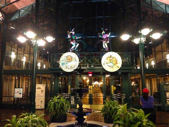 Disney's Port Orleans Resort - French Quarter : Lobby