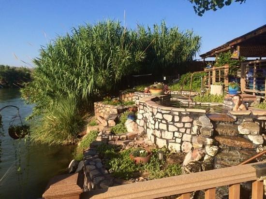Riverbend Hot Springs: hot springs
