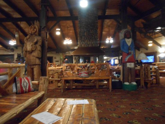 Pinegrove Family Dude Ranch: Lodge