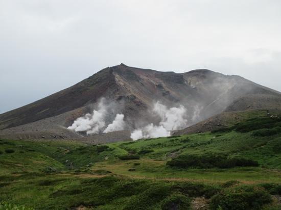 Asahidake Natural Hiking Route: view of the vents