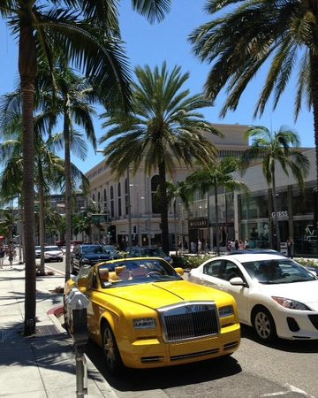 The custom bijan rolls royce on rodeo drive beverly hills for Rolls royce of beverly hills