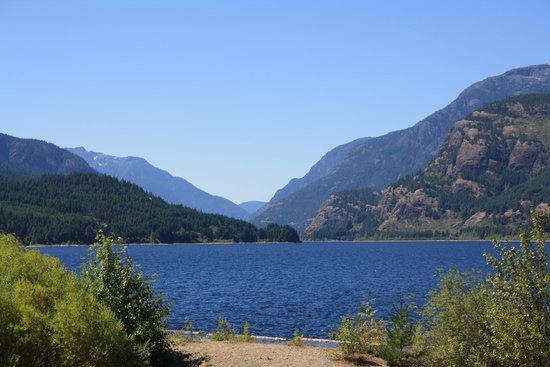Strathcona Park Lodge & Outdoor Education Centre: One of the spectacular views from our cabin