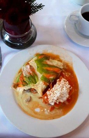 Restaurante El Cardenal: Omelete de flor de calabaza