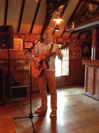 Jack Meade's Pub: Tom Comerford, great performer
