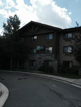 Holiday Inn Express Park City: Picture of the front of the hotel