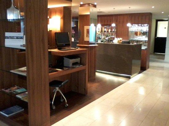 K+K Hotel am Harras Bar
