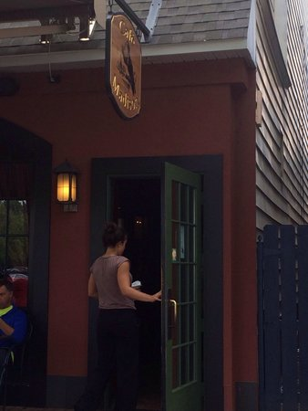 Madison's End Cafe: Front door