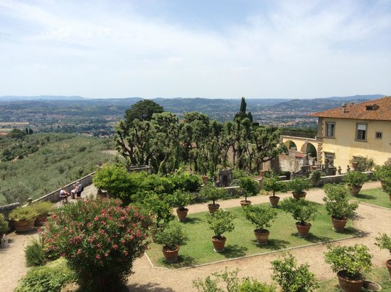 Villa Gamberaia : The view from our bedroom window