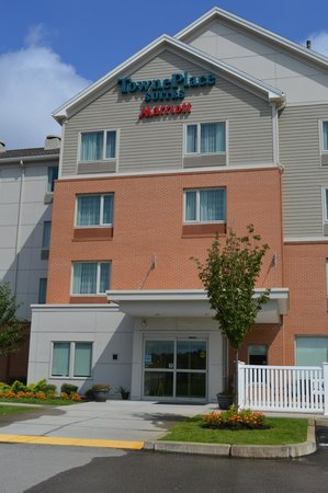 TownePlace Suites Providence North Kingstown: entrance
