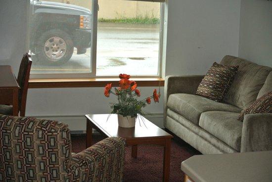 Juneau Hotel: lounge