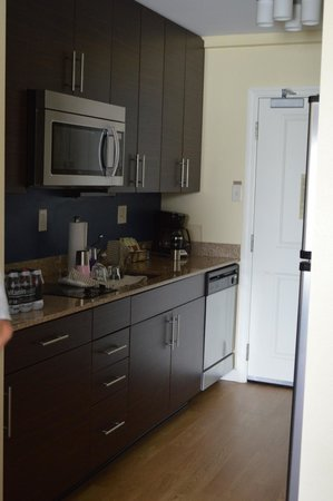 TownePlace Suites Providence North Kingstown: kitchen