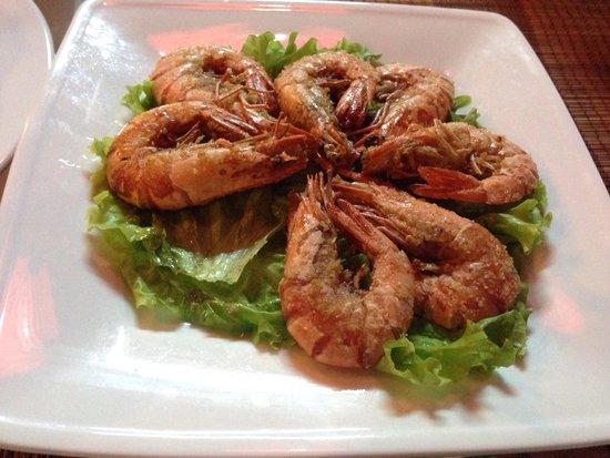 Golden Fish restaurant & bar : Fried shrimps with salt