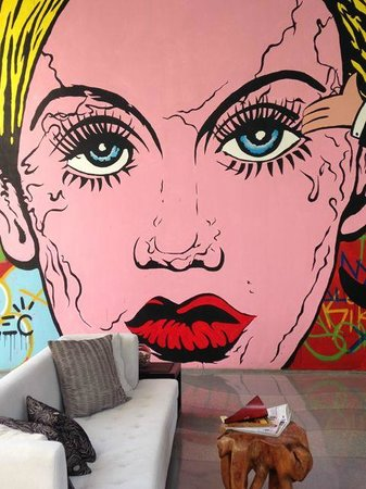 W Retreat & Spa Bali - Seminyak: Great murals