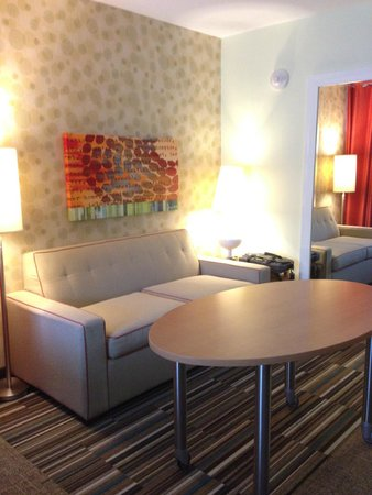 Home2 Suites by Hilton Baltimore / White Marsh: table is movable if you like more space!