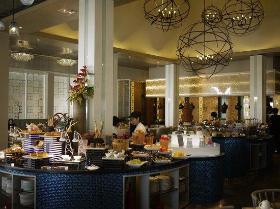 Sheraton Bandung Hotel & Towers: beautiful restaurant
