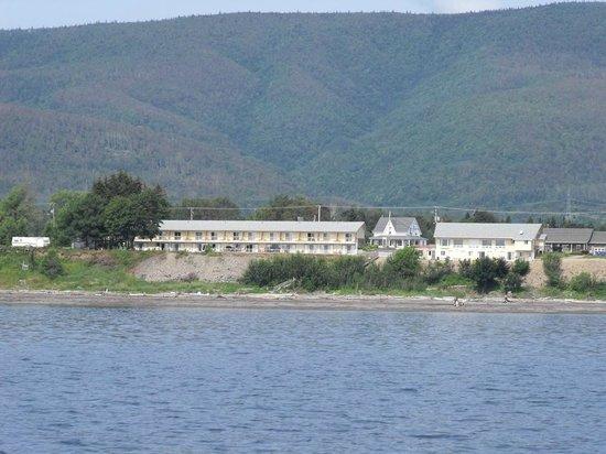 Motel Carleton-sur-Mer : Vue d'un bateau sur la Baie des Chaleurs