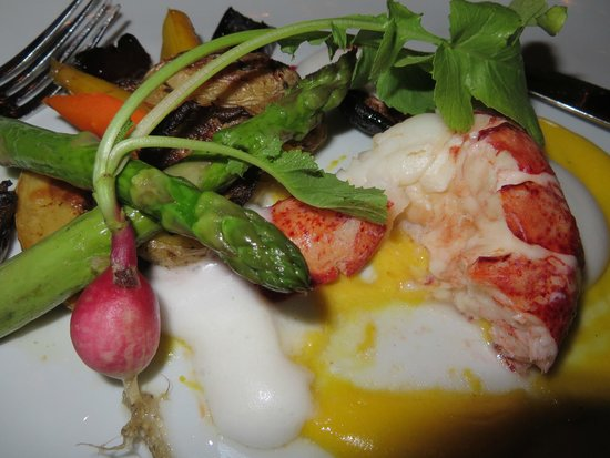 Yono's Restaurant: poached lobster