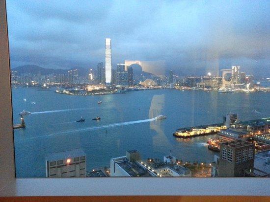 Ibis Hong Kong Central & Sheung Wan Hotel: Номер с видом на залив