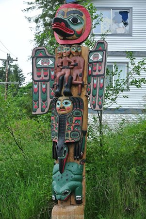 Saxman Native Village: totem pole