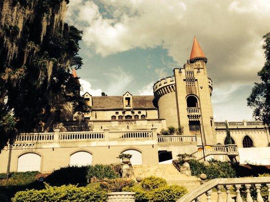 El Castillo Museo y Jardines: Hermoso.