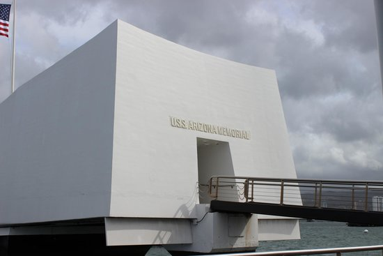 USS Arizona Memorial/WW II Valor in the Pacific National Monument : Outside