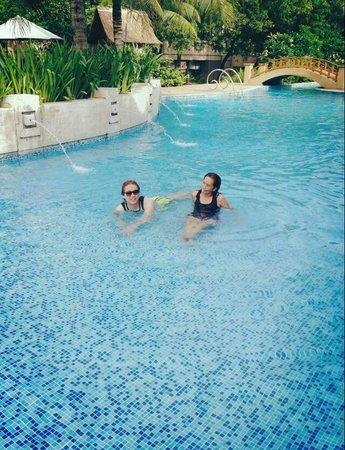 Radisson Blu Cebu: Great pool