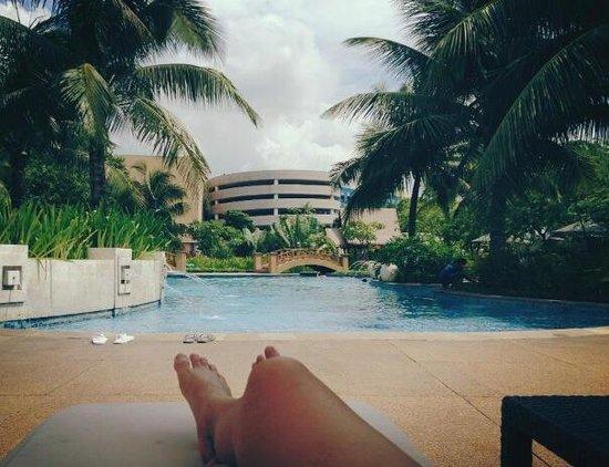 Radisson Blu Cebu: Pool area