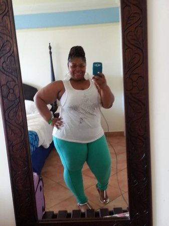 Sunscape Splash Montego Bay : full length mirror in room