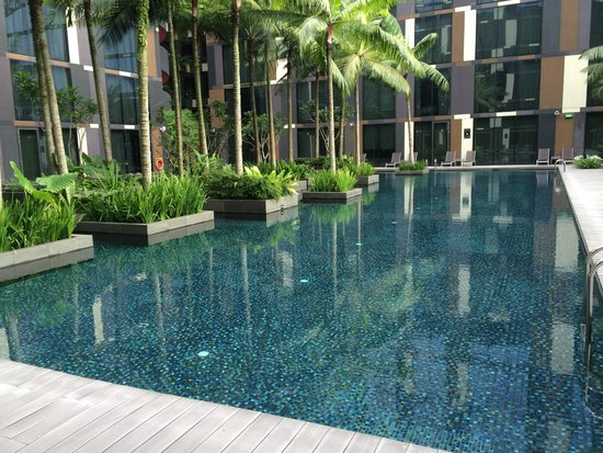 Crowne Plaza Changi Airport: Swimming pool
