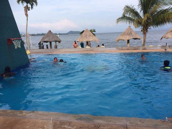 Hotel La Finca: ALBERCA CON VISTA AL LAGO DE CATEMACO