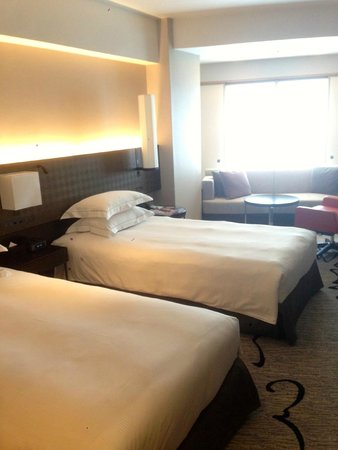 Hilton Tokyo: Twin Bed
