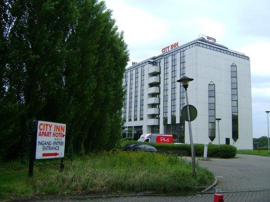 B-aparthotel Moretus: Hotel Entrance