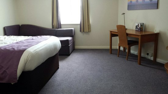 Premier Inn Newquay (Quintrell Downs) Hotel: Lovely corner room