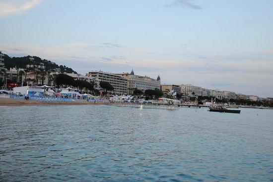 La Croisette : Вид на набережную со стороны моря