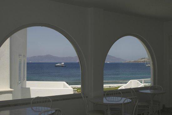Mykonos Bay Hotel: View from the breakfast area