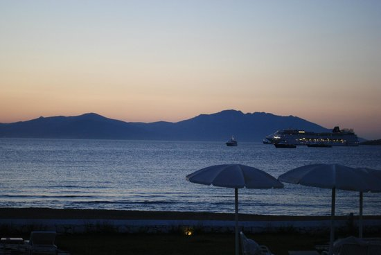 Mykonos Bay Hotel: View from the room at sunset